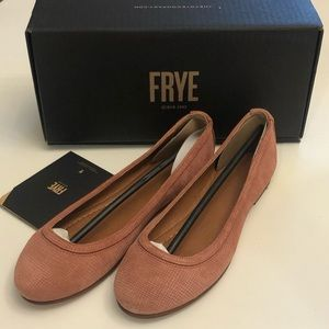 Frye Carson Leather Ballet Flat 🍾Host Pick 🎉